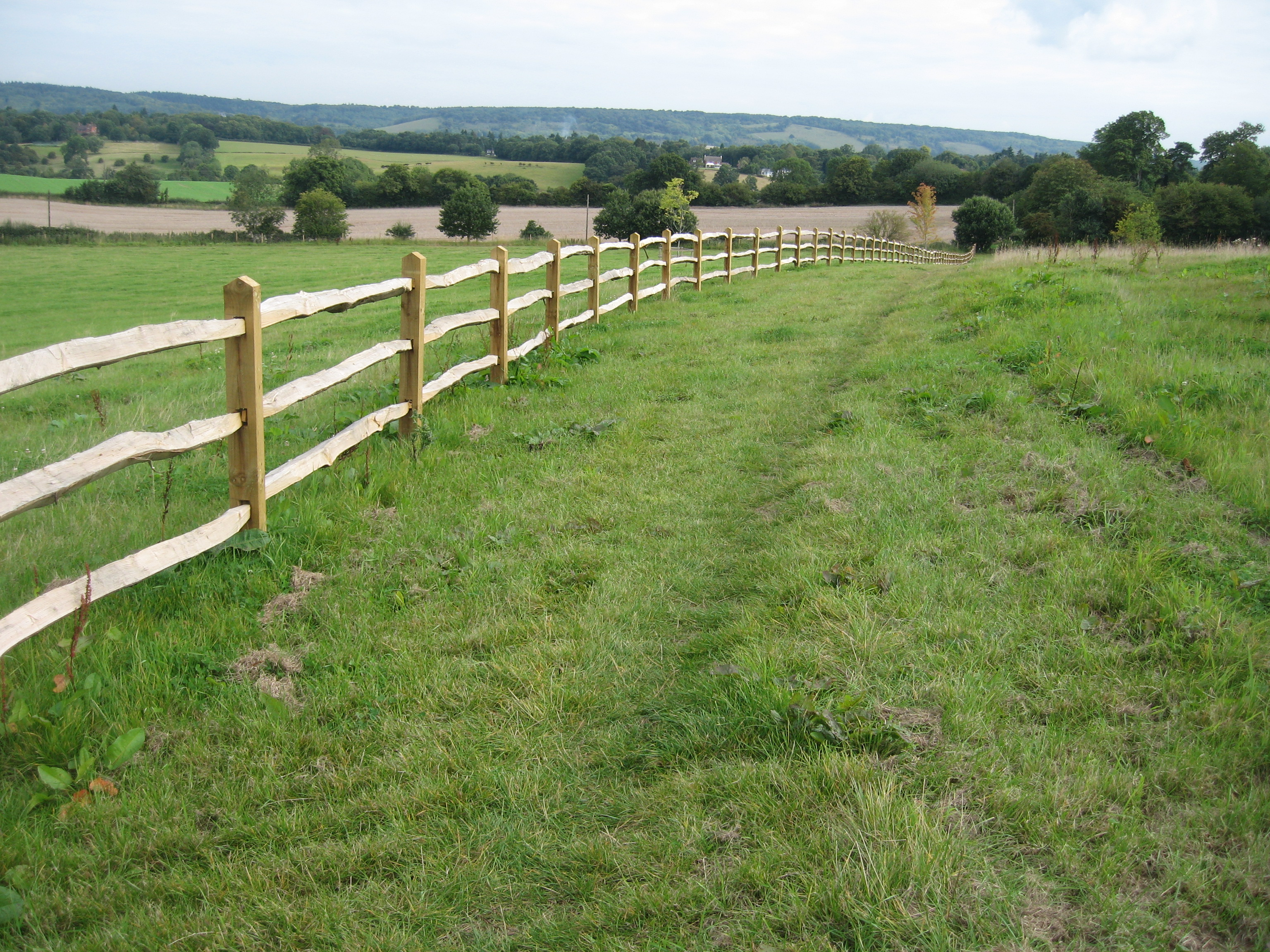 cleft-chesnut-post-and-rail-surrey-sussex-hampshire